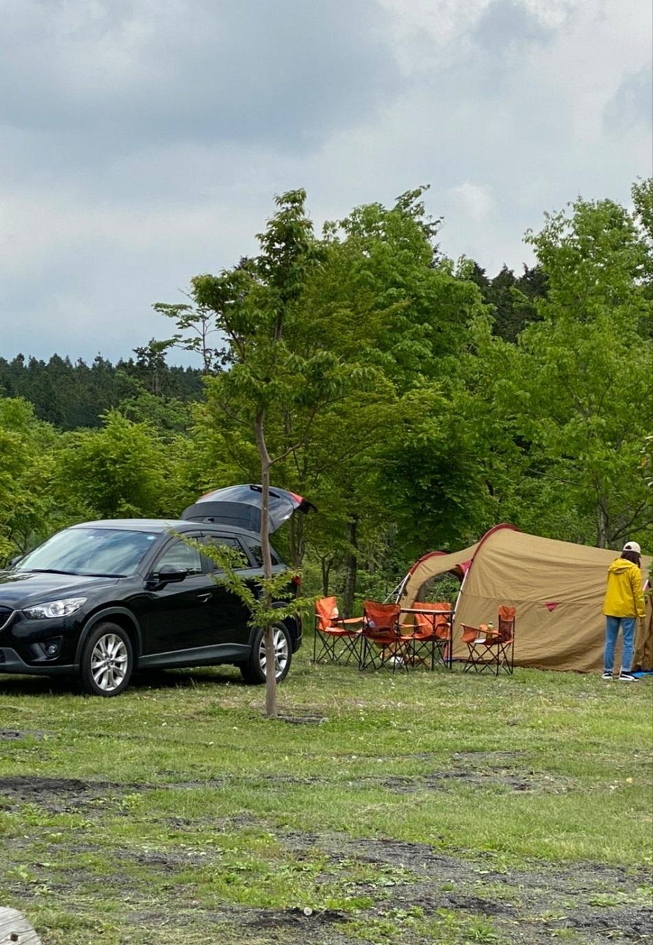 キャンプ 車あり